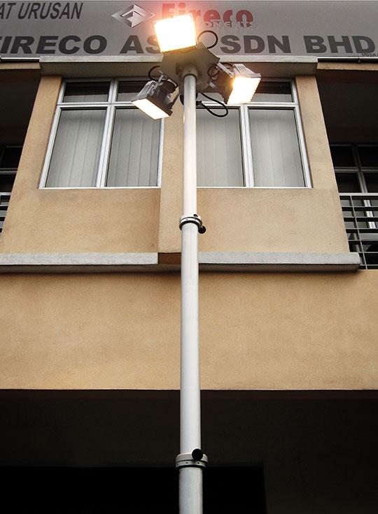 Lightweight Vertical Masts Super Entry